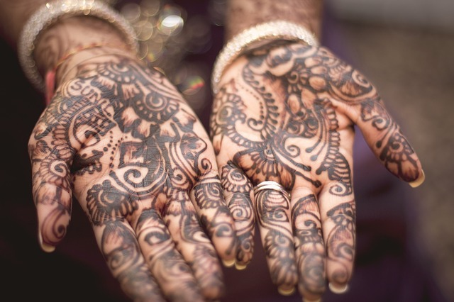 henna-691901_640 (1)